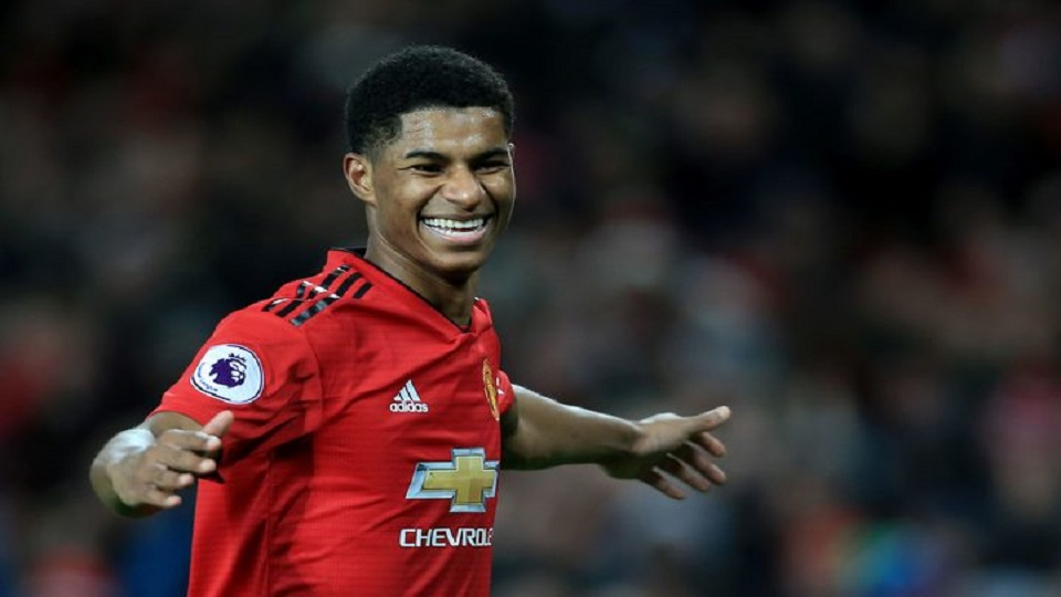 Manchester United Roll On With Win Over Spurs