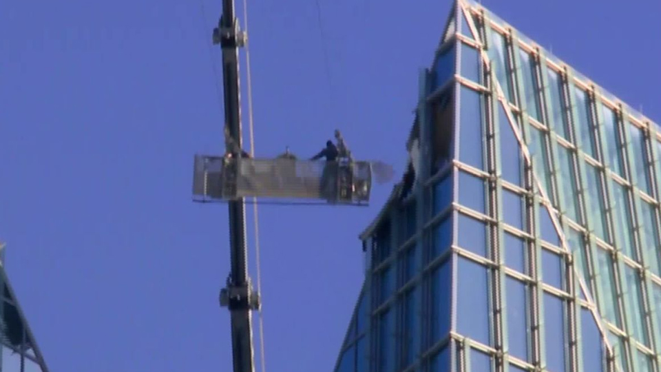 Oklahoma Window Cleaners Rescued From Swinging Lift Fbc News