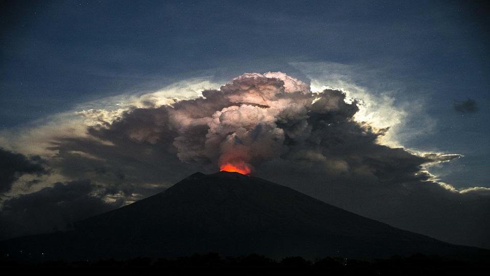 Mount Agung Flights Resume After Bali Volcano Disruption Fbc News