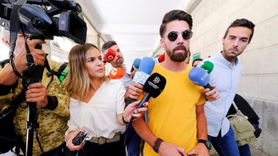Spain women: Top court rules Wolf Pack gang were rapists ...