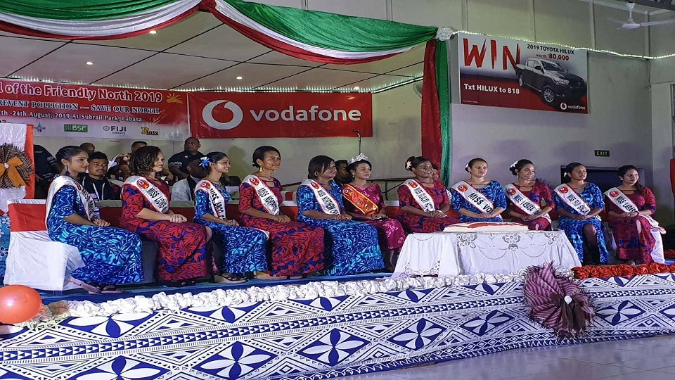 10 Queen Contestants Vie For Crown At Friendly North