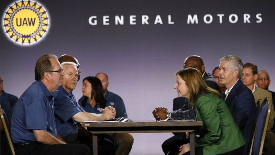 GM Reaches 'tentative' Deal With Striking UAW Workers